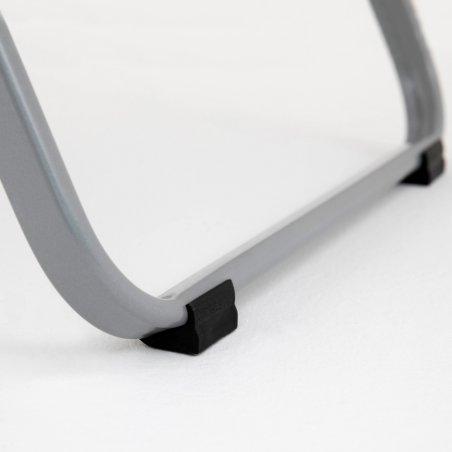 Zoom sur les patins du piétement de la chaise OPTU
