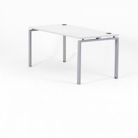 Bureau droit OPTIMUM, plateau blanc, piétement aluminium, sans voile de fond